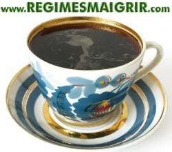 Une tasse de café noir peut apporter beaucoup d'antioxydants, de lignanes et de magnésium