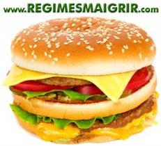 Manger trop souvent au fast food n'aide pas à ralentir le rythme de consommation et fait manger sans conscience