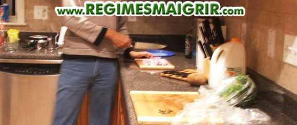 Faire la cuisine à la maison