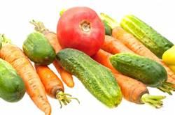 Consommer suffisamment d'aliments riches en vitamines aide à équilibrer les apports