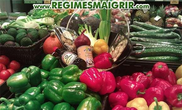 Rayon de légumes au supermarché