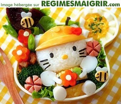 Des légumes sont joliment disposés pour reconstituer un personnage de manga japonais