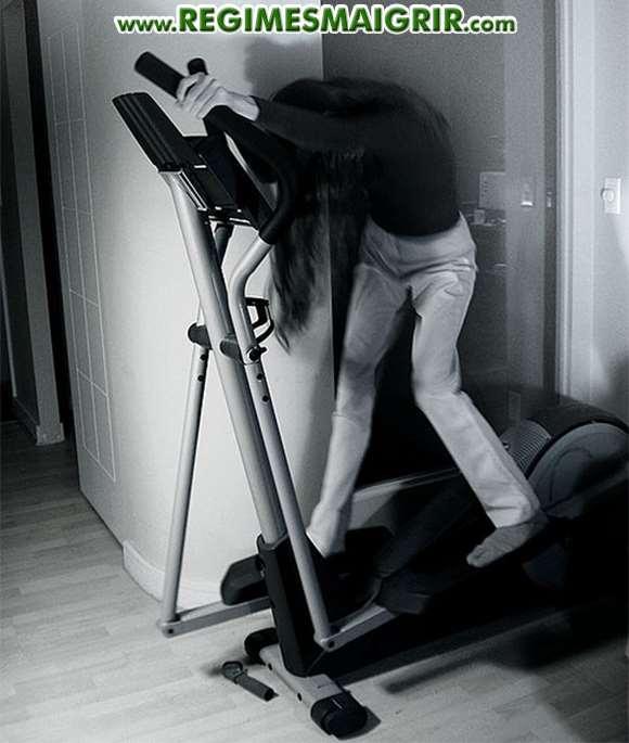 Ne pas avoir une bonne posture sur le vélo elliptique est une faute fréquemment vue chez les pratiquants