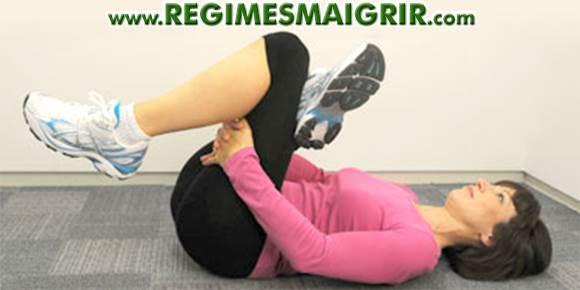 Etirez les muscles glutéaux en souplesse sans forcer