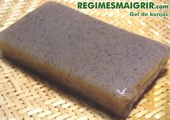 La gelée de konjac possède une très longue histoire culinaire notamment au Japon et en Chine
