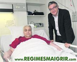 Bruno pose ici avec le docteur Frédéric Sanguignol qui est directeur de la clinique