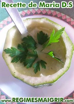Photo d'une soupe de courgettes aux fromages