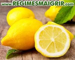Quelques citrons jaunes frais