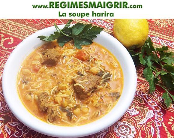 Les soupes comme la harira aident à prendre un iftar léger et équilibré