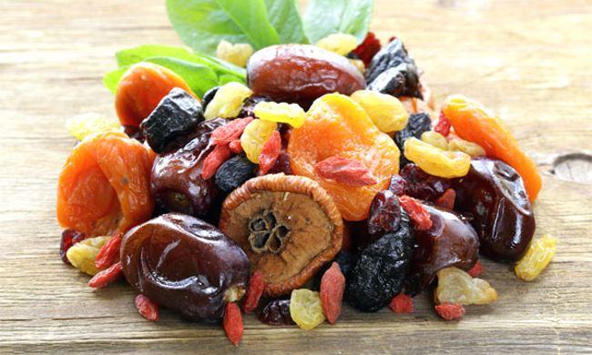 Ensemble de fruits secs