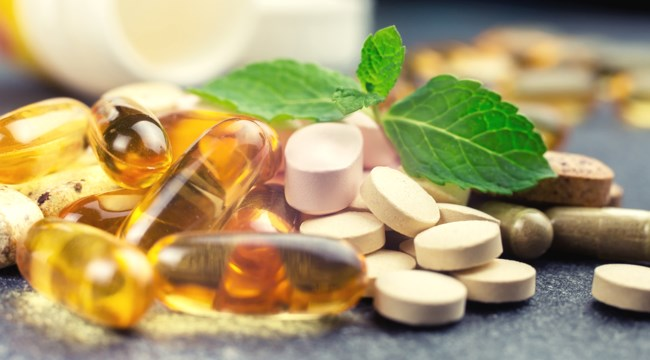 Quelques gélules de suppléments vitaminiques