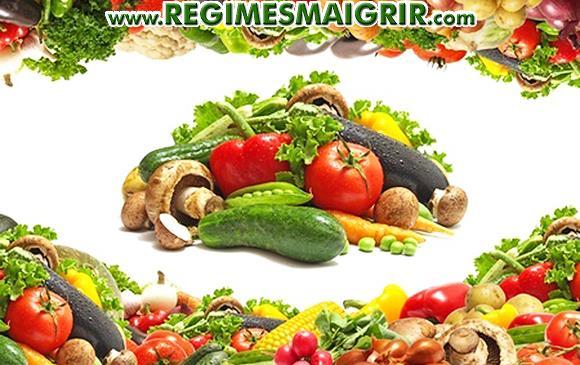 Divers légumes riches en couleurs sont mis côte à côte