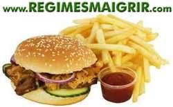 Un repas typiquement gras pris au fast-food