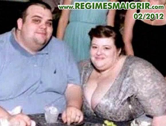 Les amoureux gardent toujours leur sourire malgré leur obésité morbide
