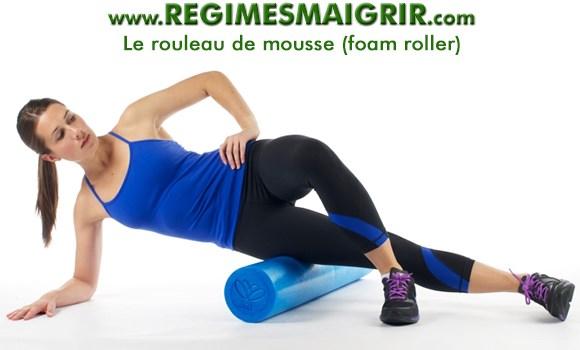 Le rouleau de mousse est un équipement utile pour réduire les douleurs musculaires