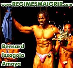 Bernard Issogola Amaya vainqueur d'une compétition de bodybuilding