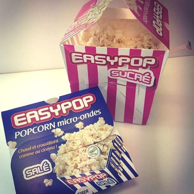 Des boîtes de popcorn micro-ondes
