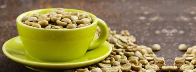 Une tasse de café vert