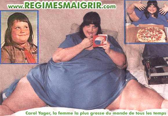 Carol Yager se maquille sur son lit, une autre petite photo la montre joyeuse avant de manger une pizza